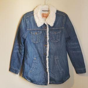 Womens sherpa lined Levi's jean jacket